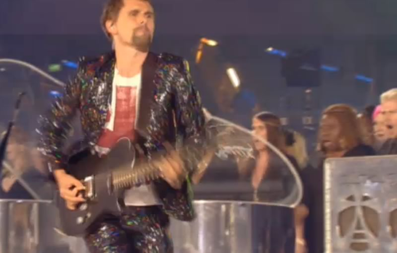 Matt Bellamy with his Dickinson Mk2 on stage at the Olympics closing ceremony