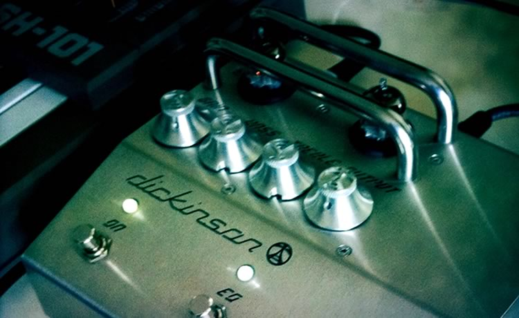 Dickinson P1 Overdrive + Roland SH-101 = BOOM!!!!